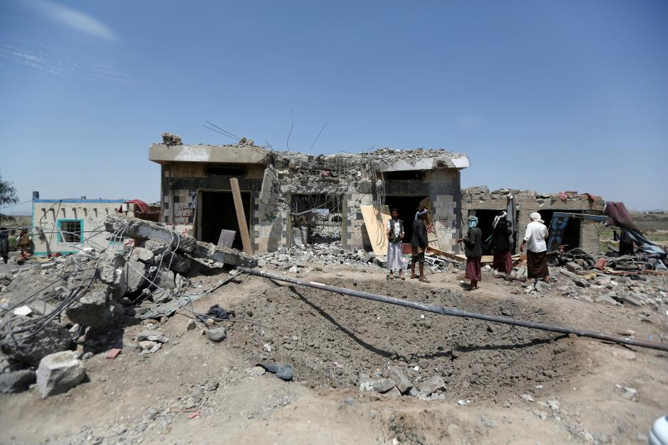 35 people killed in air strikes in Yemen