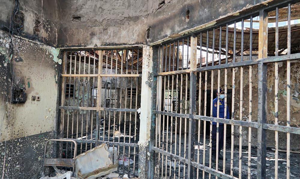 firekills41inmatesatcrowdedindonesianprison