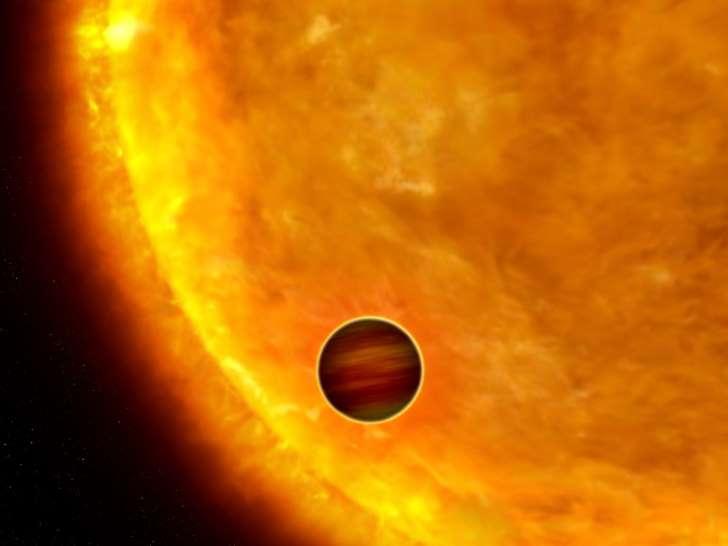 Giant Alien Planet Is Spiraling to Fiery Doom