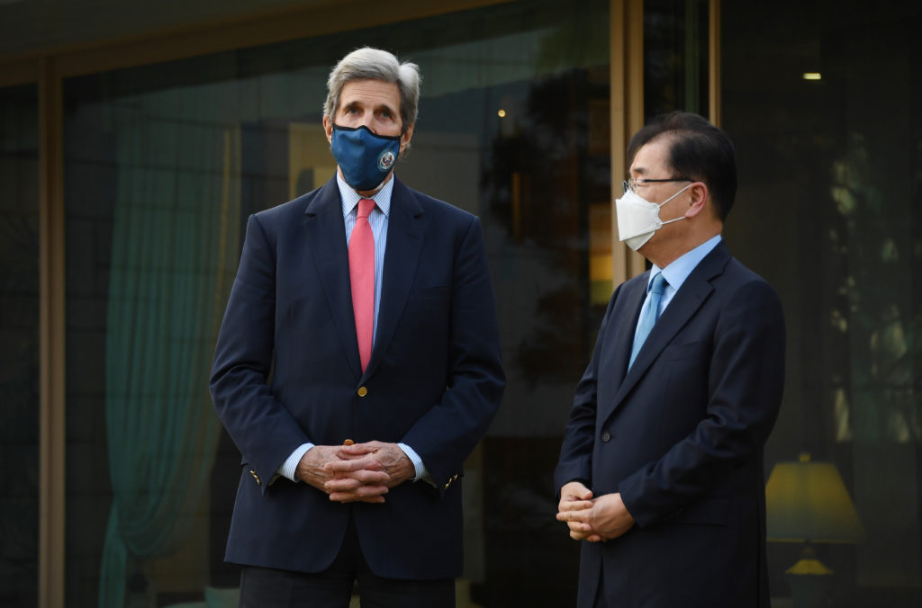 China, US agree to tackle climate crisis with urgency