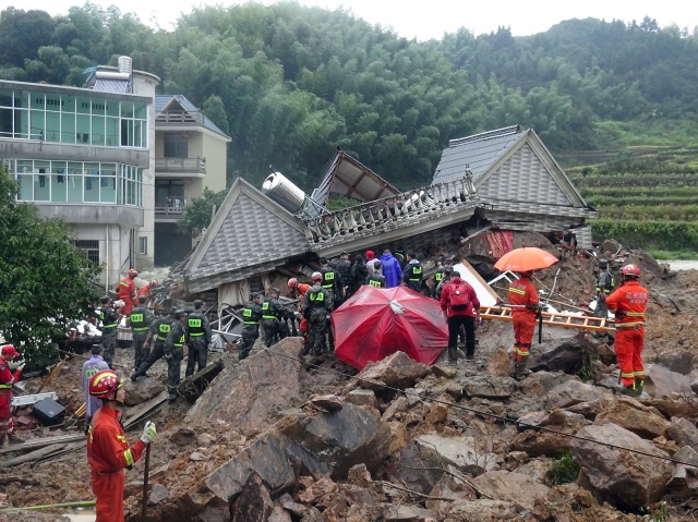 landslide-in-china-swallows-40-homes-over-140-feared-buried