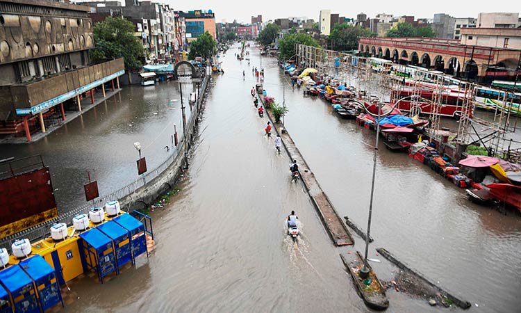 floodsinindiabangladeshnepaldisplacenearly4million