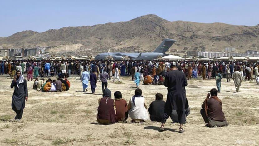 talibanfireintheairtocontrolcrowdatkabulairport