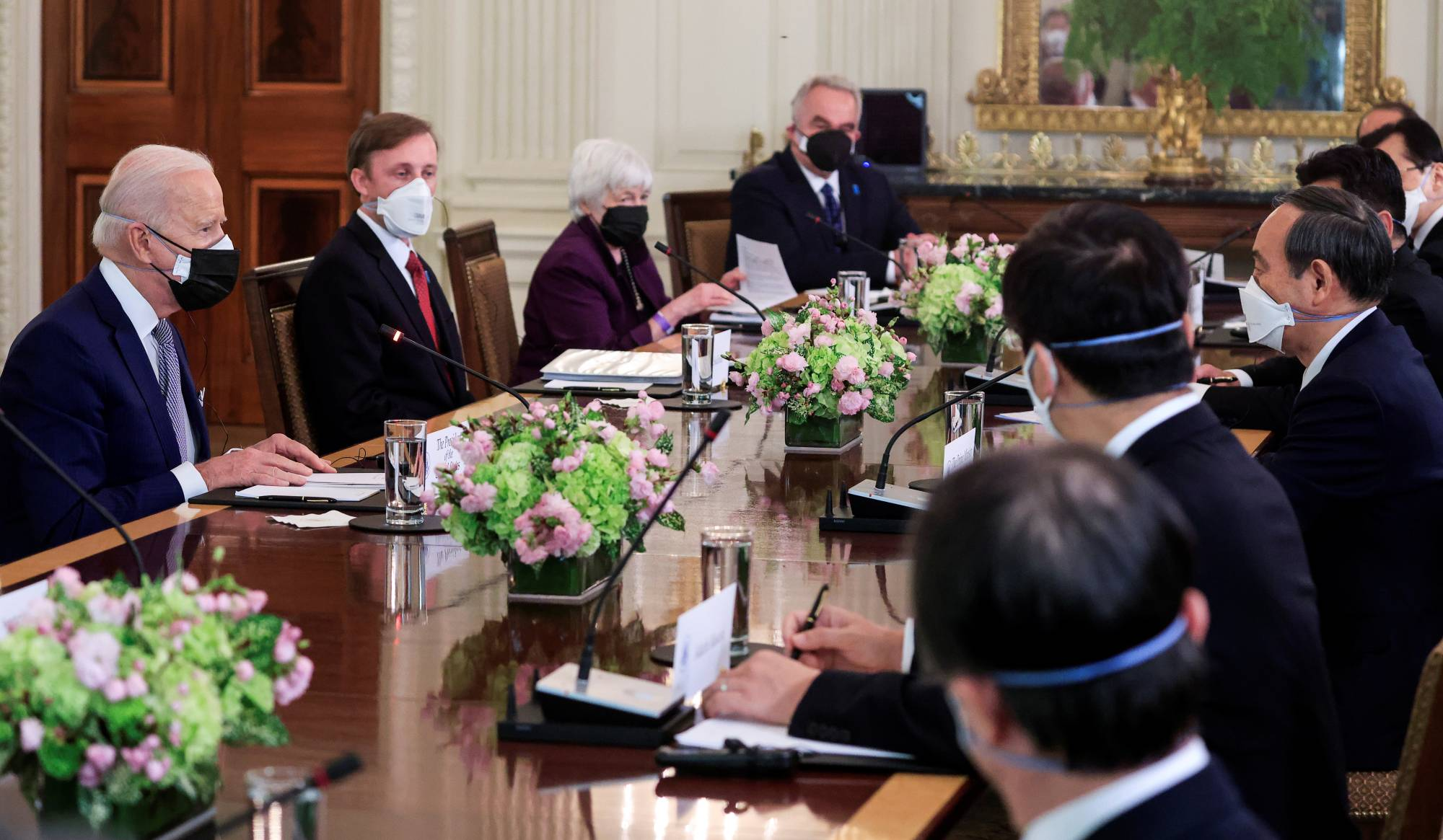 US President and Japanese PM hold talks in Washington to counter increasingly assertive China