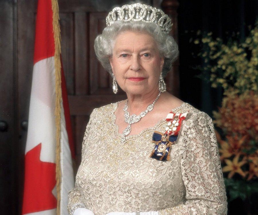 Queen Elizabeth II hosts reception to launch UK-India Year of Culture