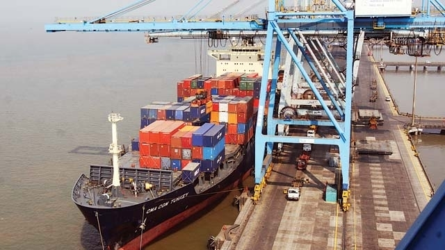 Hijacked Indian cargo ship rescued from pirates