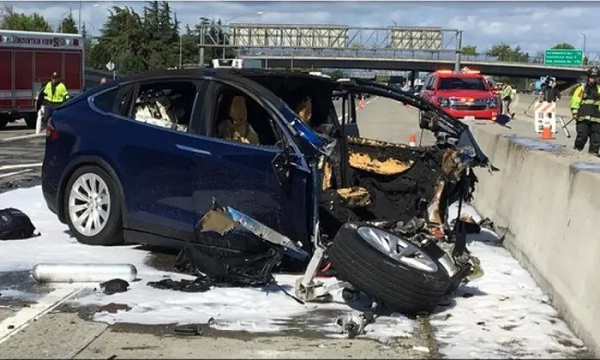 Two Killed In Tesla Car Crash, Cop Says No One Was Driving