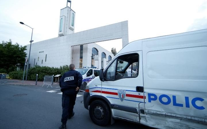 Eight injured in shooting outside French Avignon mosque