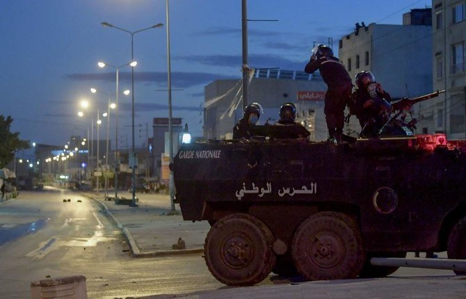 Troops deployed in Tunisia as rioting spread in cities, 1,000 arrested