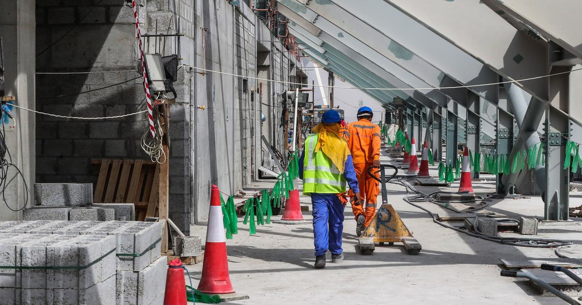Foreign workers in Qatar can low leave country without prior permission