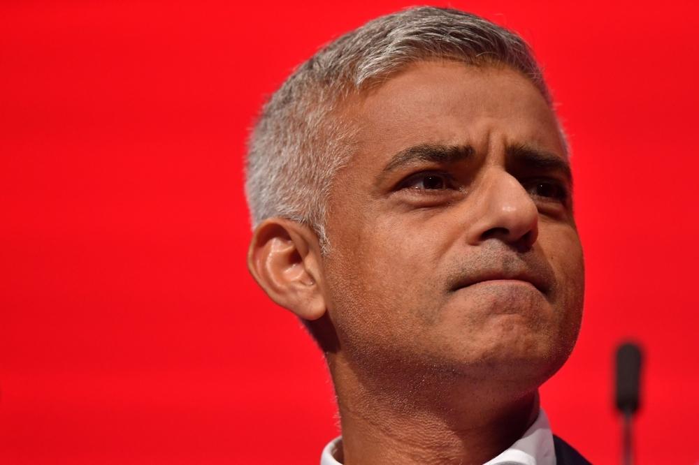 Mayor Sadiq Khan urges PM May to delay Britain