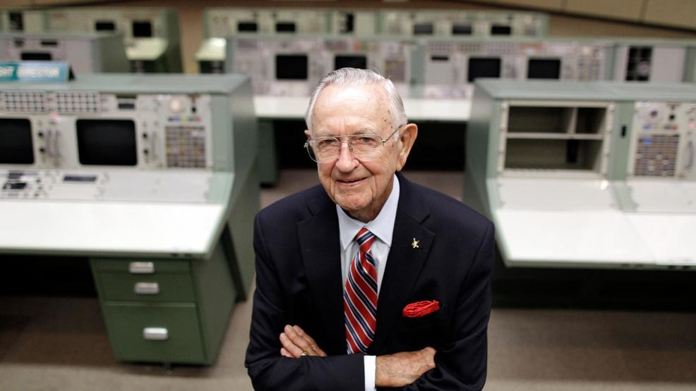 Former NASA flight director Chris Kraft dies at 95