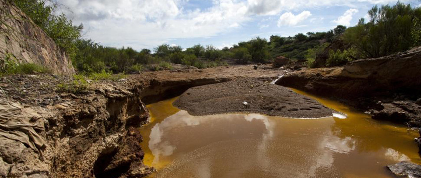 One dead after mine dam bursts in northern Mexico