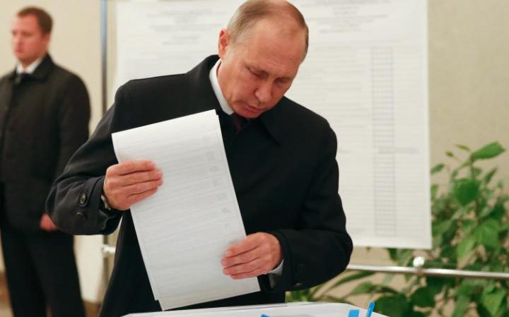 Vladimir Putin claims victory in parliamentary polls