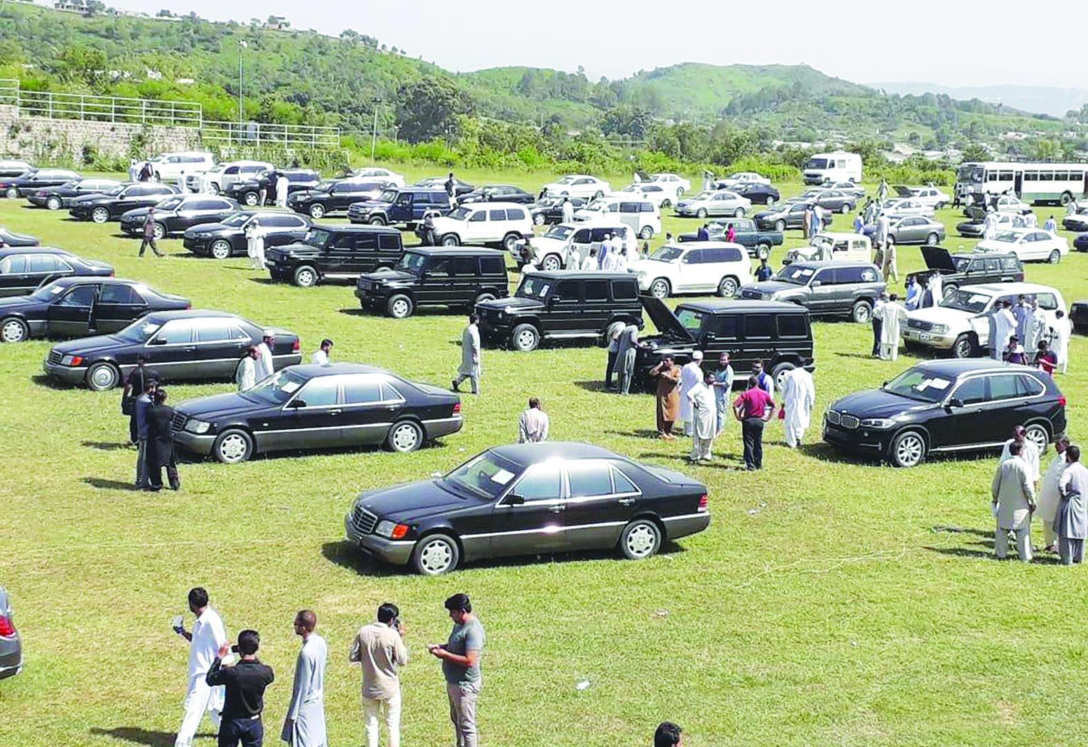 Imran Khan govt auctions 70 luxury cars