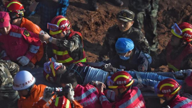 Man found alive  60 hours in rubbles after China landslide