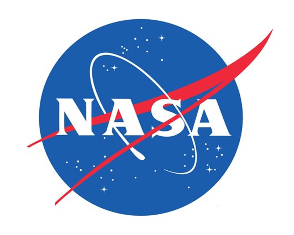 NASA probe beams back image of Jupiter