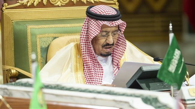 Saudi king calls for urgent meetings of Arab leaders