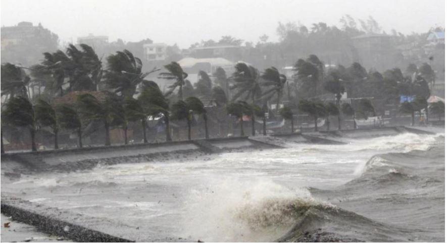 typhoonforcesriskyevacuationsincoronavirushitphilippines