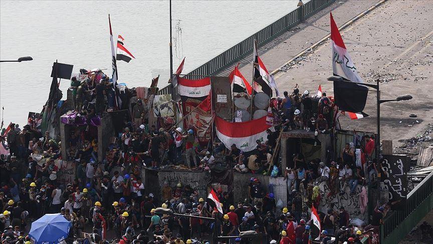 antigovtprotestersiniraqblockedroadsandbridgesinbaghdad
