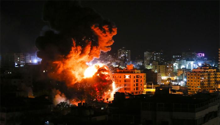 israelhitsgazawithairstrikesafterrocketfire