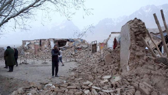 8 killed as quake hits northwest Xinjiang region in China