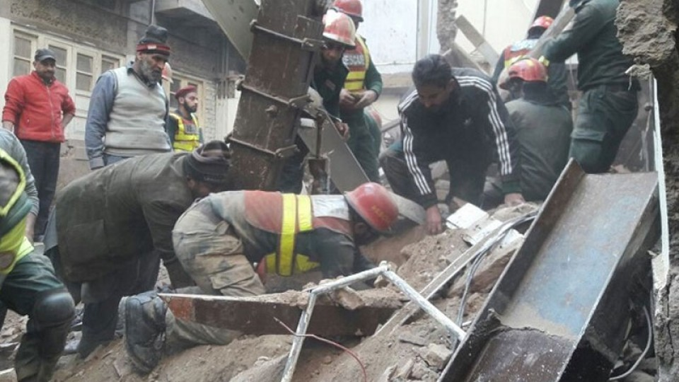 Seven trapped under rubble as a building collapses in Lahore