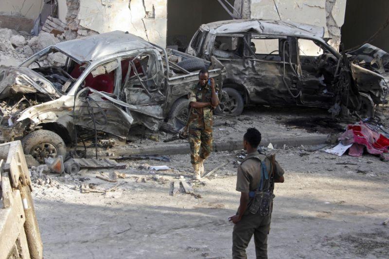 Somalia police end night-long siege of hotel, 25 dead
