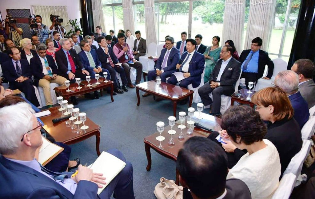 Bangladesh Foreign Minister briefs diplomats over Rohingya situation
