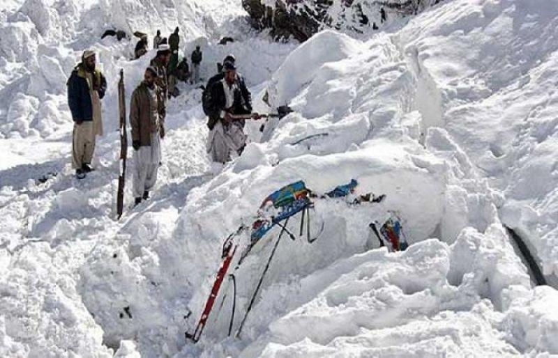 10 people dead due to heavy snowfall in Pakistan