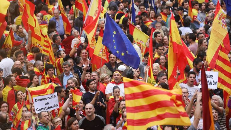 Lakhs of people come out on streets of capital to protest against Independence of Catalonia