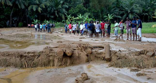 More than 200 families feared dead in Sri Lanka landslides