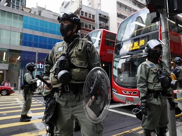 hongkongpolicedefusetwohomemadenailbombs