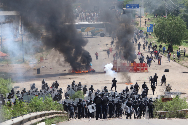 4 dead in clashes between police, teachers in Mexico