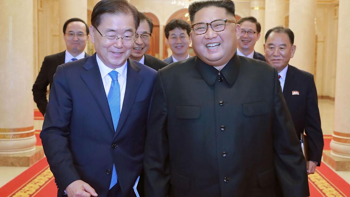 North Korean leader Kim Jong Un says he wants denuclearisation of Korean peninsula before US President Donald Trump