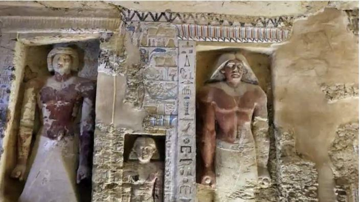 4400-year-old-tomb-of-high-official-priest-discovered-in-egypt