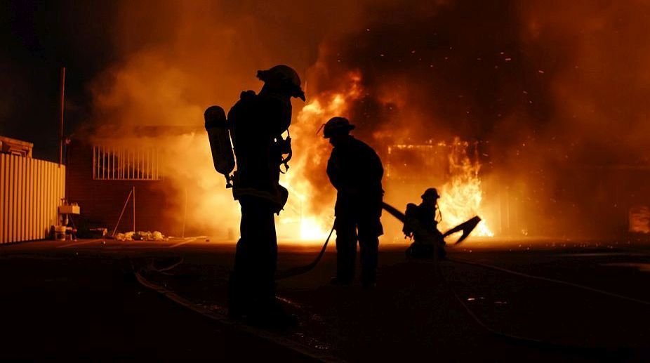 US : Fire destroys 35 apartments in  Houston