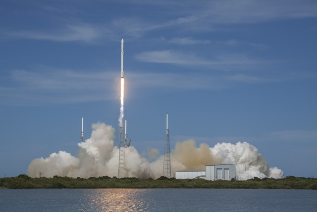SpaceX launches rocket, landed successfully on ocean platform