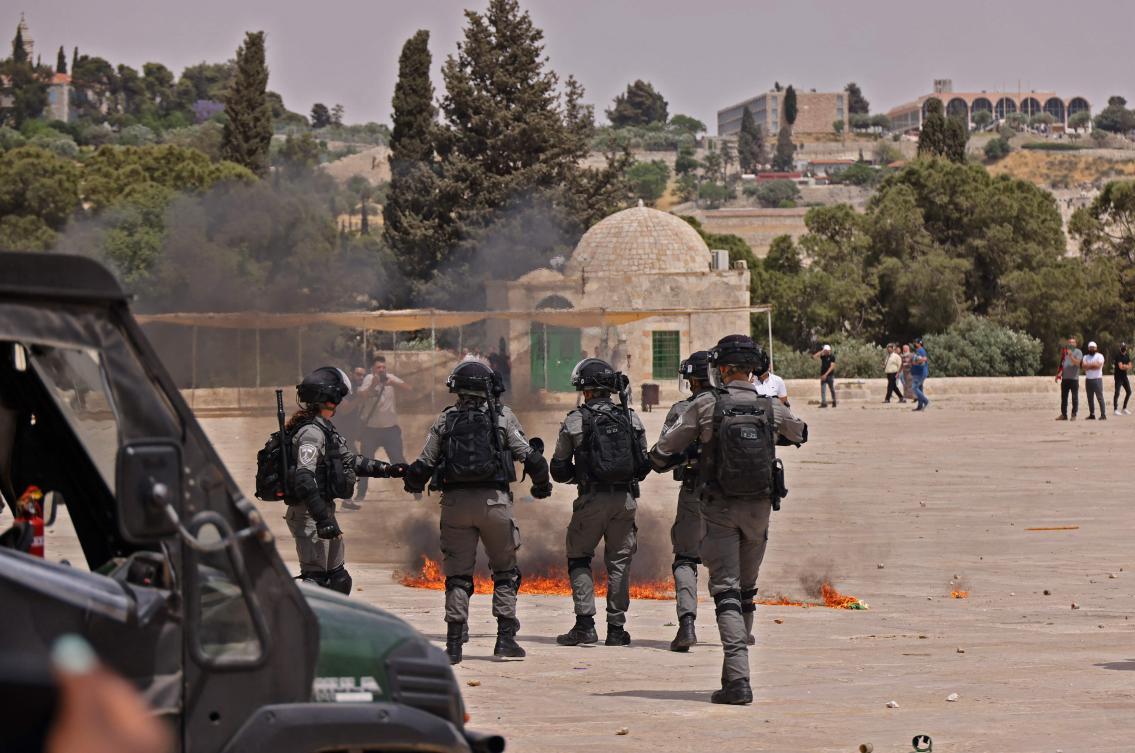 israelipoliceallowsjewstovisitflashpointjerusalemsite