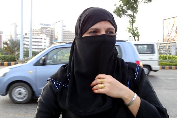 burqabaninschoolscourtsbordercheckpointsuk