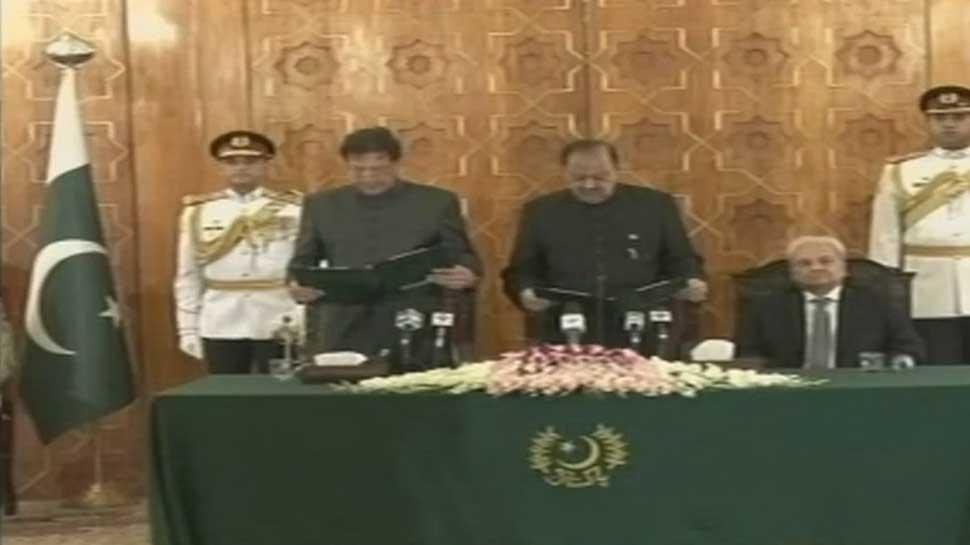 Imran Khan takes oath as 22nd Pakistani PM