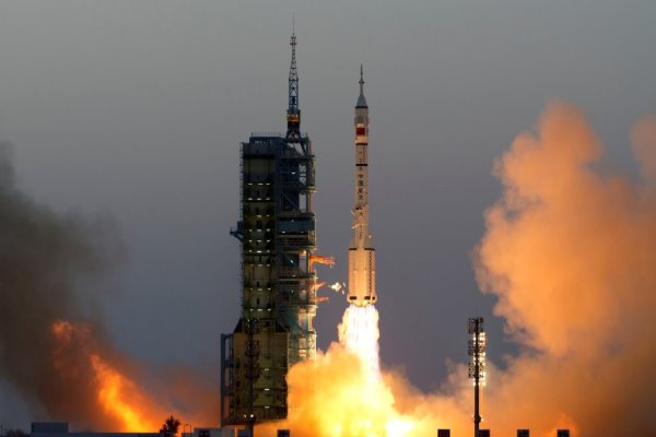 Chinese Astronauts Enter Tiangong 2 Space Station for Month-Long Stay