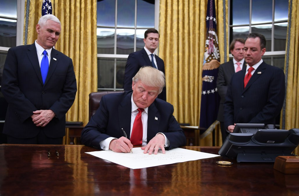 Trump to sign executive order aiming to help agriculture