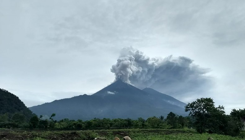 Atleast 25 people killed after eruption of Fuego volcano
