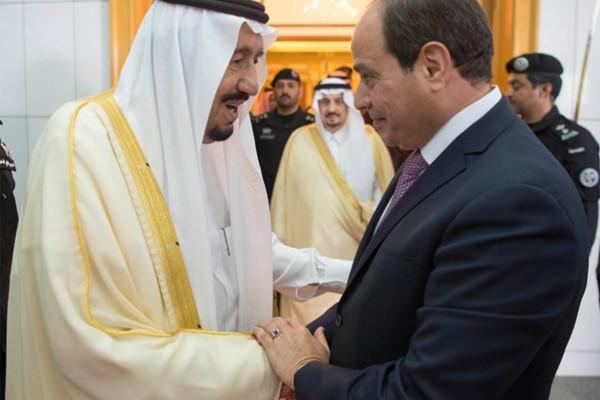 King Salman, Egyptian president hold talks
