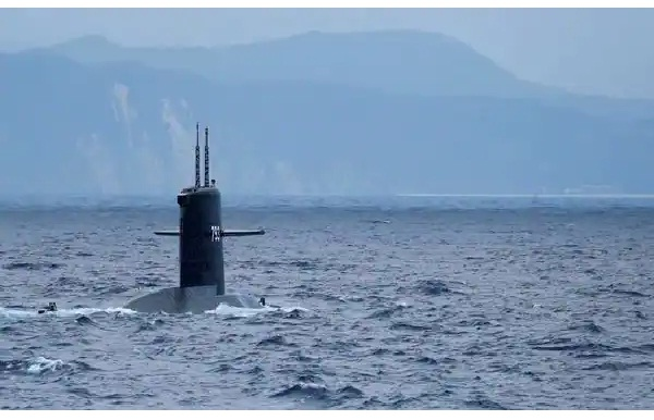 Search Continue for Missing Indonesian Submarine