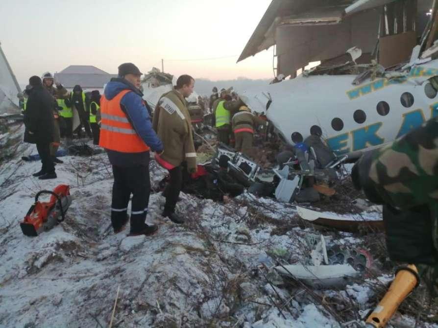 kazakhstanplanecrashed14peopledied35injured