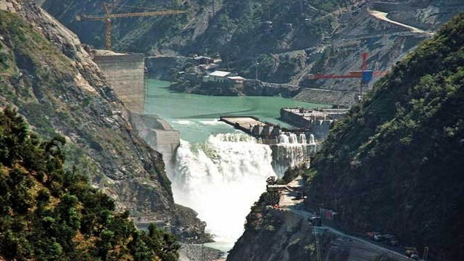 Pakistan says not concerned over India's plan to stop flow of water