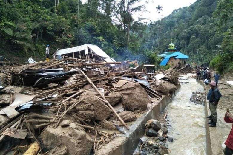 At least 22 dead in Indonesia floods and landslides