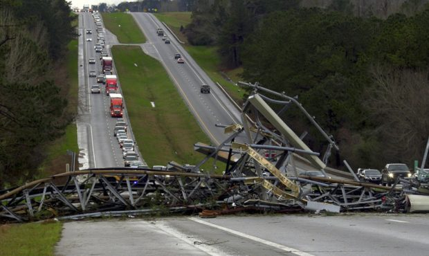 At least 14 people dead on day of tornadoes in US